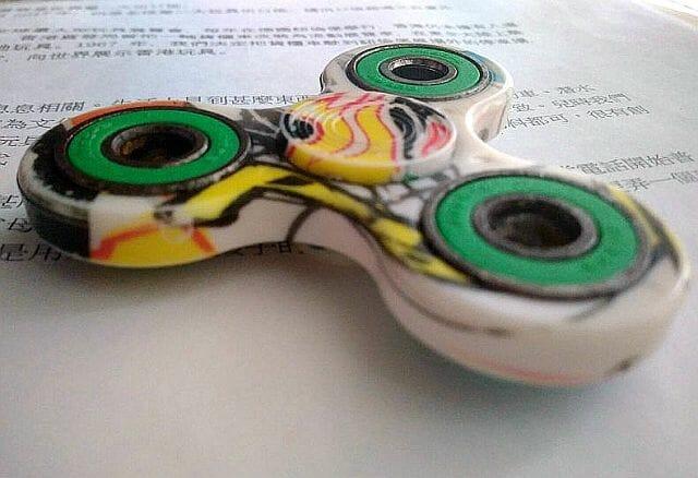 co to jest fidget spinner?