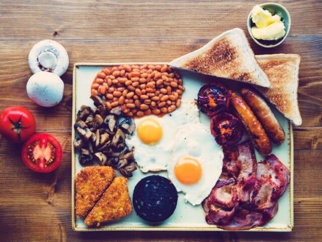 Czytaj również: Full English Breakfast czyli co Anglicy jedzą na śniadanie?