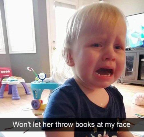 zabawki, Płaczące dzieci w śmiesznych memach po angielsku