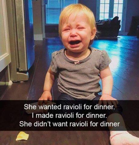 Płaczące dzieci w śmiesznych memach po angielsku, ravioli, jedzenie